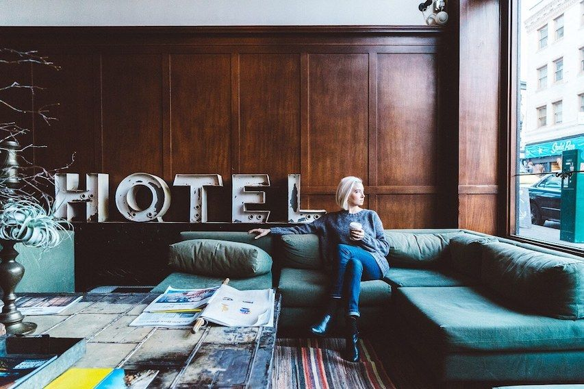 hotel-etiquette-courtesy-in-common-areas-2018-10-09-05-06-large